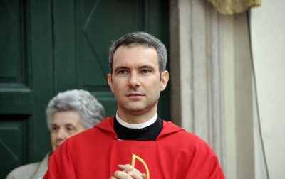 Pedopornografia, prete di milanese rinviato a giudizio