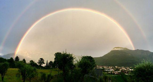 Meraviglia: arcobaleno sul Lecchese FOTO E VIDEO