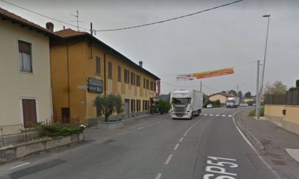 Nuovo marciapiede lungo la Santa a Casatenovo