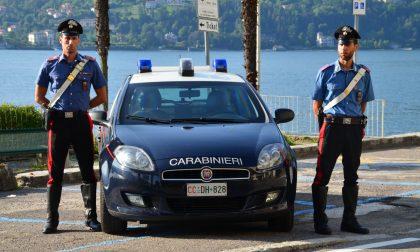 Spaccavano il finestrino dell'auto e rubavano i bagagli dei turisti: fermati due ladri a Tremezzina