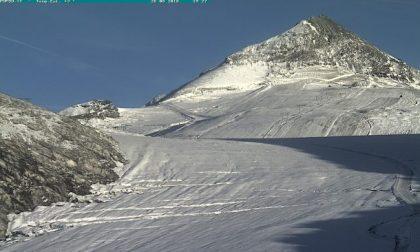 Temporali e temperature a picco, in Valtellina la prima neve FOTO