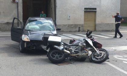 Scontro auto contro moto a Piuro, grave donna di Calolziocorte FOTO
