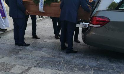 Incidente mortale, strazio al funerale del giovane papà FOTO