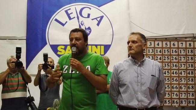 Salvini a 360 gradi sul palco di Pontida, elogia Di Maio e benedice i promessi sposi VIDEO