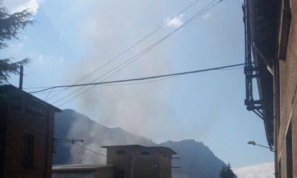 Incendio a Primaluna, officine di Cortabbio in fiamme FOTO