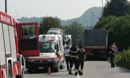 Schianto tra camion e ambulanza: RIAPERTA LA PROVINCIALE