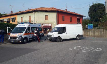 Incidente moto contro furgone, grave un 62enne FOTO