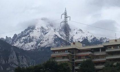 Dopo tanta  pioggia ecco la neve sulle montagne lecchesi FOTO