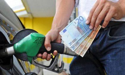 Per benzina e diesel rincari a due cifre percentuali in una settimana. Preoccupazione di Coldiretti Como Lecco