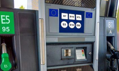 Nuove etichette carburanti: da oggi sigle europee per benzina e gasolio