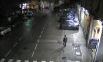 Calolzio: tenta di investire i passanti e poi fugge FOTO E VIDEO