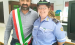 Il sindaco ringrazia la storica vigilessa di Olgiate