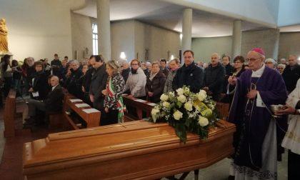 Celebrati a Valmadrera i funerali dell'ex sindaco Mauro Panzeri