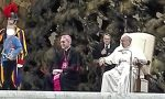 E' di Verona il bimbo che ha interrotto l'udienza del Papa VIDEO