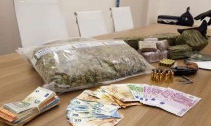 Roulette russa per la droga: a processo due giovani meratesi