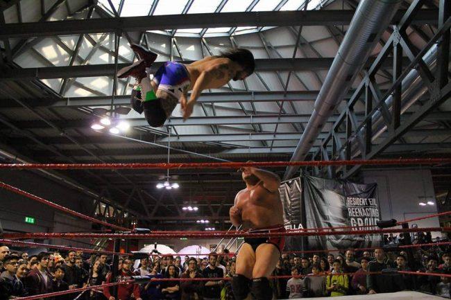 Un lecchese in corsa per il titolo italiano di wrestling sabato a Calolzio FOTO e VIDEO