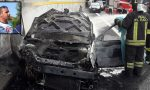 Morto nel rogo dell'auto in Tangenziale Est: la vittima era di Merate FOTO E VIDEO