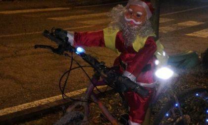 Luminarie natalizie: gli addobbi possono anche far riflettere FOTO
