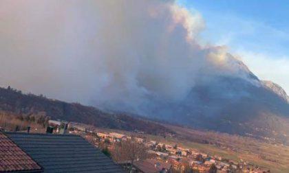 Incendio fra Dervio e Dorio, pompieri al lavoro dal pomeriggio