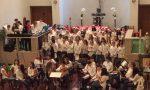 I giovanissimi musicisti della Ticozzi allietano gli ospiti  l'Airoldi e Muzzi FOTO