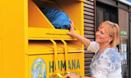 Carenno: in 5 anni donati a Humana 3.400 Kg di abiti usati