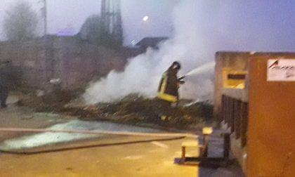 Incendio in discarica, intervengono i Vigili del fuoco