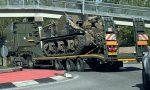 Un carro armato sulle strade di Nibionno FOTO