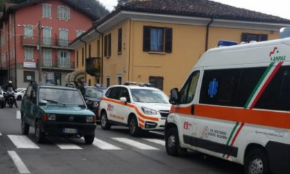 Donna incinta investita in centro ad Introbio