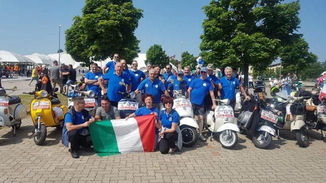 Vespa Club Bulciago al raduno mondiale Vespe