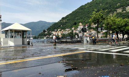 Esondazione Lago di Como: riaperta una corsia per il transito delle auto FOTO