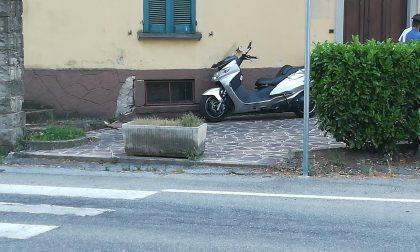 Cade in moto, centauro finisce in ospedale