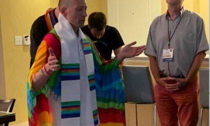 Il prete scomunicato diventa reverendo di una chiesa Lgbt