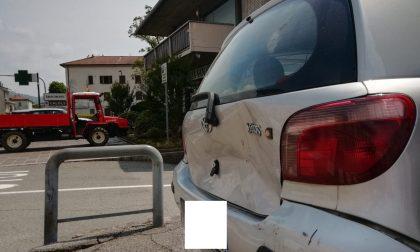 Scontro tra auto e trattore: una 46enne finisce in ospedale