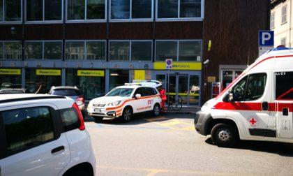 Rissa davanti alle poste, ferito un 54enne FOTO