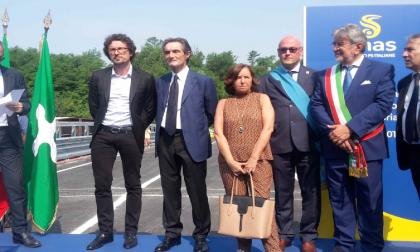 """Ponte di Annone il taglio del nastro. Toninelli e Fontana: """"Mai più tragedie come questa"""" FOTO e VIDEO"""