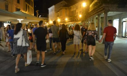 Un altro giovedì a Lecco all'insegna dello Shopping di Sera