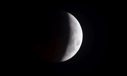 """Martedì sera a Lecco largo alla Luna con la """"Notte d'Argento"""""""
