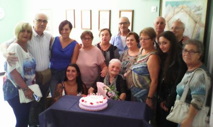 Nonna Carmela spegne 102 candeline
