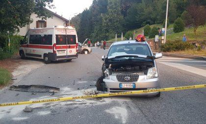 """Incidente """"spettacolare"""" a Imbersago: coinvolte tre auto FOTO"""