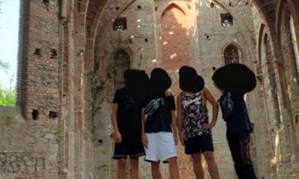 Entrano nell'ex oratorio pericolante e postano foto su Instagram