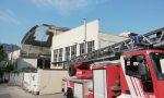 Gravi danni dopo la tempesta a Lecco: il vento spazza via  il tetto in eternit della ex Perillo FOTO