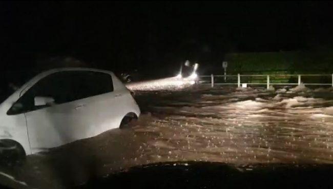Strade come fiumi: acqua, detriti e fango ovunque, disastro nel Meratese NUOVE FOTO E NUOVI VIDEO