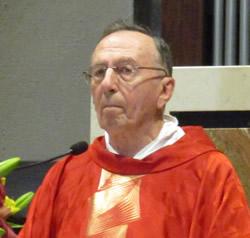 Valgreghentino, don Enrico Vitali va in pensione: il saluto della comunità