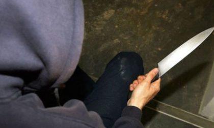 Arrestato il rapinatore seriale dei bar: agiva armato di coltello