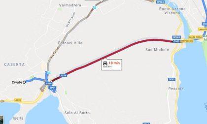 Ci risiamo, incidente nel tunnel del Barro, traffico in tilt verso Lecco
