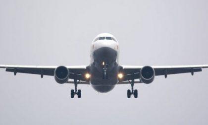 Malore sul volo per le Seychelles: gravissima 46enne
