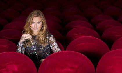 La direttrice d'orchestra Beatrice Venezi ospite alla Mostra dell'Artigianato