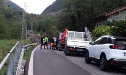 Ancora sassi a Gallivaggio: statale 36 temporaneamente chiusa