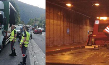 Drammatico incidente in Statale 36: feriti due motociclisti, uno è gravissimo. Traffico in tilt FOTO