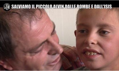 """Il piccolo Alvin è libero e oggi partirà per l'Italia. """"Papà sto arrivando"""" VIDEO"""